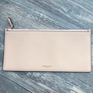 Coach Wallet Clutch Beige Leather Zip